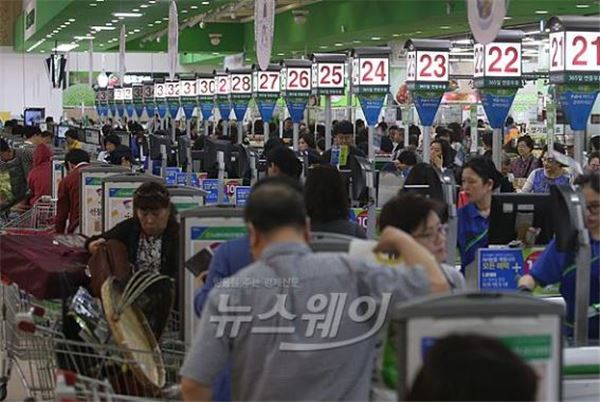 소비심리 5개월째 개선세…경기전망은 '부정적'