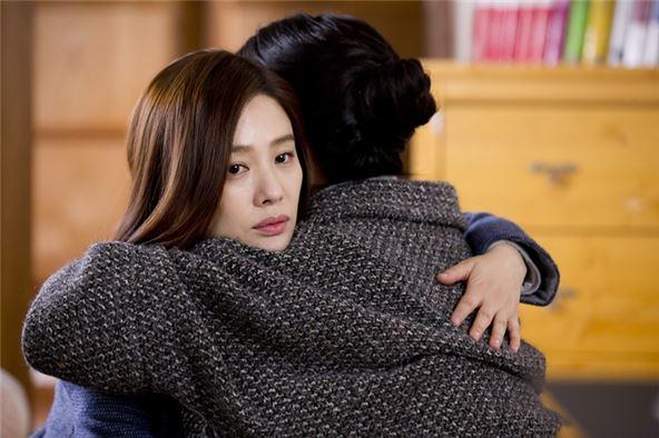 김현주, 공허한 눈빛연기 甲… '애인있어요' 김청 오열 뭉클