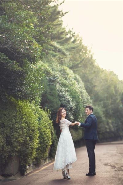 기상캐스터 신소연, 롯데 강민호와 부산서 웨딩마치