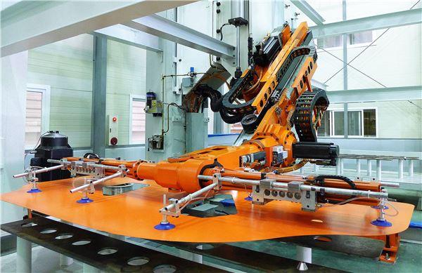 현대로템, 국내 최초 '탬텀 프레스 고속 이송장치' 국산화 성공
