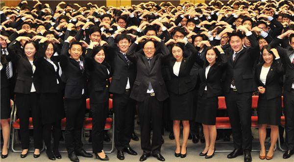 김용환 회장, 신입직원 대상 '농협 글로벌화' 강조