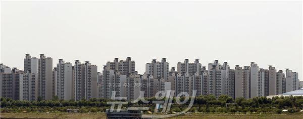 강남·북 아파트값 격차, 내년부터 다시 줄어든다