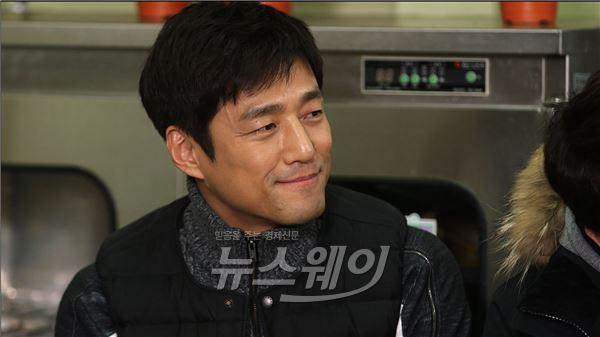 """지진희 """"가장 고마운 사람 김현주""""…'식사하셨어요' 의리남 입증"""