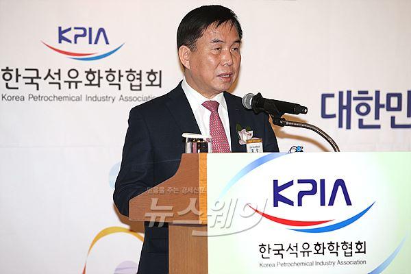 """허수영 석화협회장 """"새해 중장기 리스크에 선제적으로 대응하자"""""""