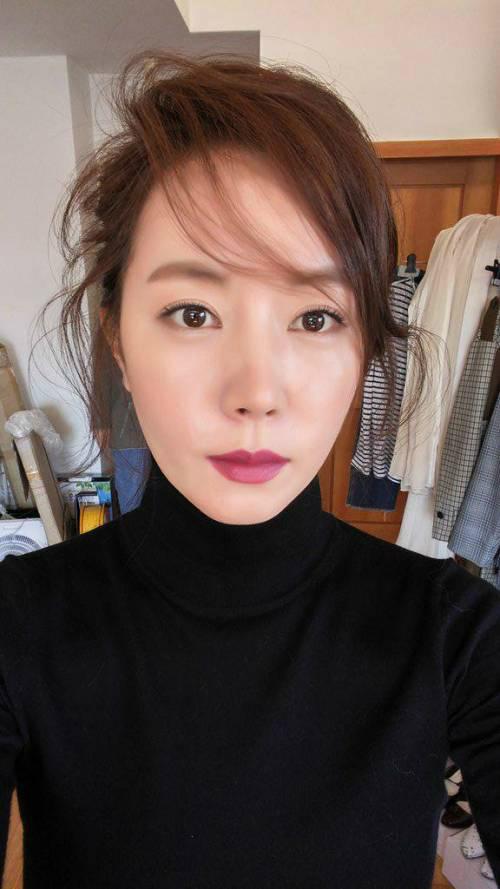 """정우-김유미 결혼 발표, 초근접 굴욕 없는 셀피 재조명…""""신부 관리?"""""""