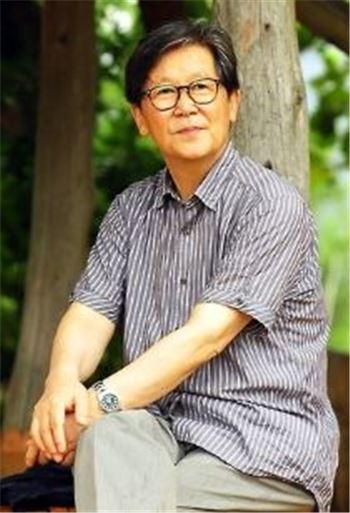 '감옥으로부터의 사색' 신영복 성공회대 석좌교수 타계…향년 75세