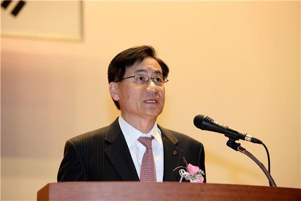 """홍기택 회장 """"AIIB 발전과 우리나라 국익 위해 최선을 다하겠다"""""""