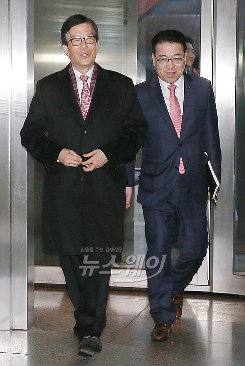'보은인사'논란 이동걸 KDB산업은행 회장 내정자 '첫 출근'