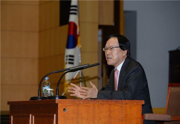 김용환 농협금융회장, '9200억' 목표 달성 위한 '현장경영' 시동