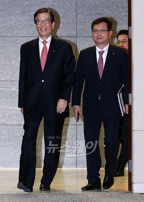 이동걸 산업은행 회장, 금융권 공식 복귀 첫 무대