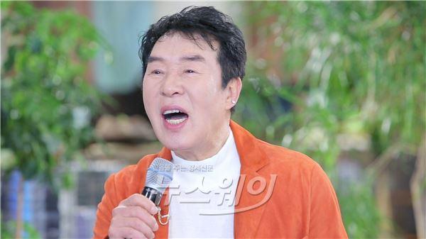 """송대관 """"부동산 사기혐의 무죄판결 後 신곡 활동중"""" (힐링의 품격)"""