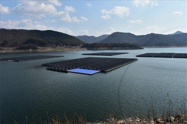 포스코, 보령댐 수상태양광발전소에 '초고내식강판' 공급
