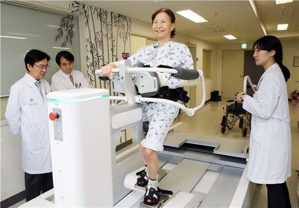 현대重, '로봇-의료서비스 패키지사업'에 박차···임상실험 돌입