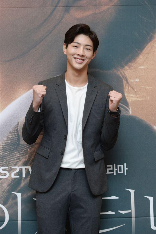 """지수 """"김소현 미모 보며 연기해 기뻤다"""""""