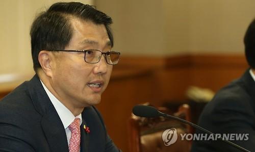 """진웅섭 금감원장 """"기업구조조정 과감하고 신속하게"""""""