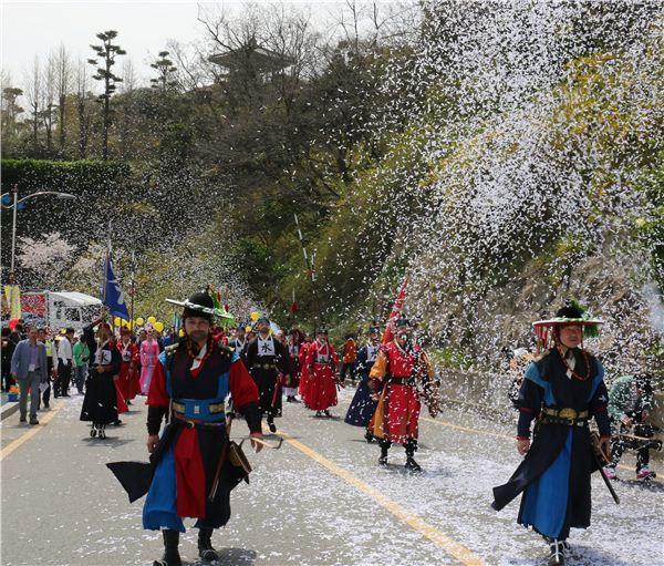 목포시, '2016 꽃피는 유달산 축제' 성료