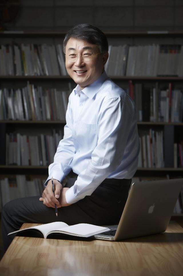 고정완 한국야쿠르트 대표, 매출 1조 재돌파 위한 발상의 전환