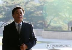 검찰, 민영진 KT&G 전 사장에 징역 3년 구형