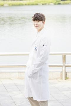 '육룡' 윤균상, 의사 가운 잘어울리네…'닥터스' 4인4색 매력발산