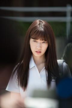 박신혜, 달콤살벌 여고생 변신…'닥터스' 반전매력 공개