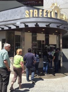 스트릿츄러스, 美 시장 진출…LA 할리우드 글로벌 1호점 오픈