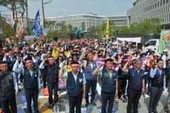 노동계, 최저임금 협상 앞두고 1만원 인상 강력 촉구