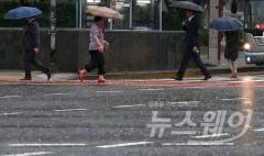 전국 흐리고 장맛비…수도권 '호우특보' 침수 피해 주의