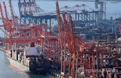 수출, 4개월 연속 마이너스···반도체·중국 부진 영향