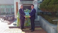 김제시 검산동 원마트, 저소득층 주민들 위해 사랑의 쌀 기탁