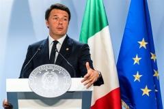 렌치 이탈리아 총리, 개헌 국민투표 패배 시인(1보)