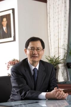 박찬구 금호석화 회장, 35억7600만원 수령