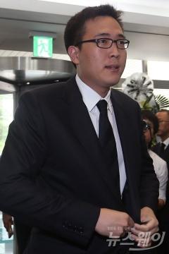 경찰, '음주난동' 한화家 3남 김동선 팀장에 구속영장 방침