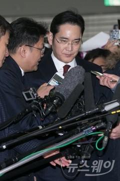 특검, 이재용 부회장 구속 영장 결단 내일 이후 결정