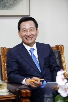 김상열 회장의 용병술…은행출신부터 토목전문가까지