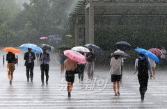 전국 흐리고 일부지역 비…미세먼지 '좋음~보통'