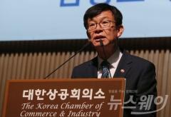 """김상조 """"4대그룹 12월이 데드라인, 구조적 처방 나설 것"""""""