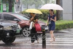 전국 흐리고 비…중부 돌풍‧번개 동반 폭우 주의
