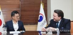 """김동연, 주한 美대사대리에 """"FTA 우호적 협의 지속해야"""""""