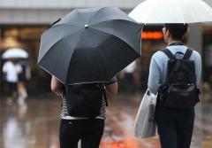 전국에 '비'…돌풍·천둥·번개에 시설물 관리 '주의'
