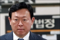 신동빈 재판에 쏠린 눈…뉴롯데 '키' 호텔상장 운명은?