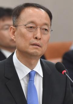 """백운규, """"한국GM 중장기 경영개선 계획 내놔야"""""""