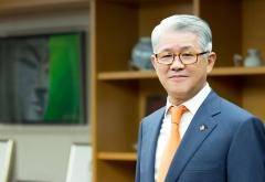 최신원 회장, 공유경제 SK네트웍스 키운다