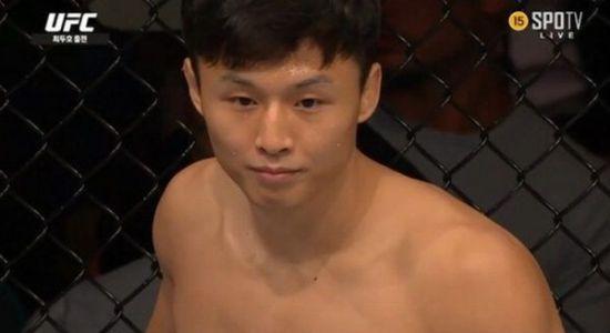 'UFC' 최두호, 美 제레미 스티븐스에 TKO패…강경호 3년 4개월 만에 승