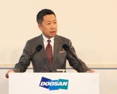 재벌 첫 4세 박정원…성적표 '절반의 성공'