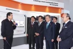 文대통령 '美세이프가드' 위로에 한화큐셀 '태양광발전소 투자' 화답