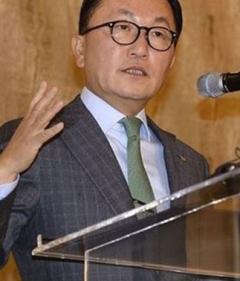 """미래에셋 박현주 회장 GISO 취임 """"글로벌 비즈니스 확장에 주력"""""""
