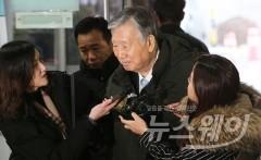 '4300억 횡령·배임' 이중근 부영 회장, 보석 석방