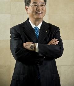 권혁운 아이에스동서 회장 2세 지분승계 본격화 조짐