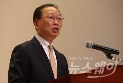 """최흥식 금감원장 """"한국 GM 회계장부 세밀하게 보겠다"""""""