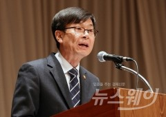 """김상조 """"엘리엇, 현대차그룹 지주사 요구는 공정거래법 위반"""""""